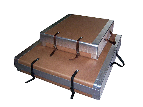Custom triple wall box with straps