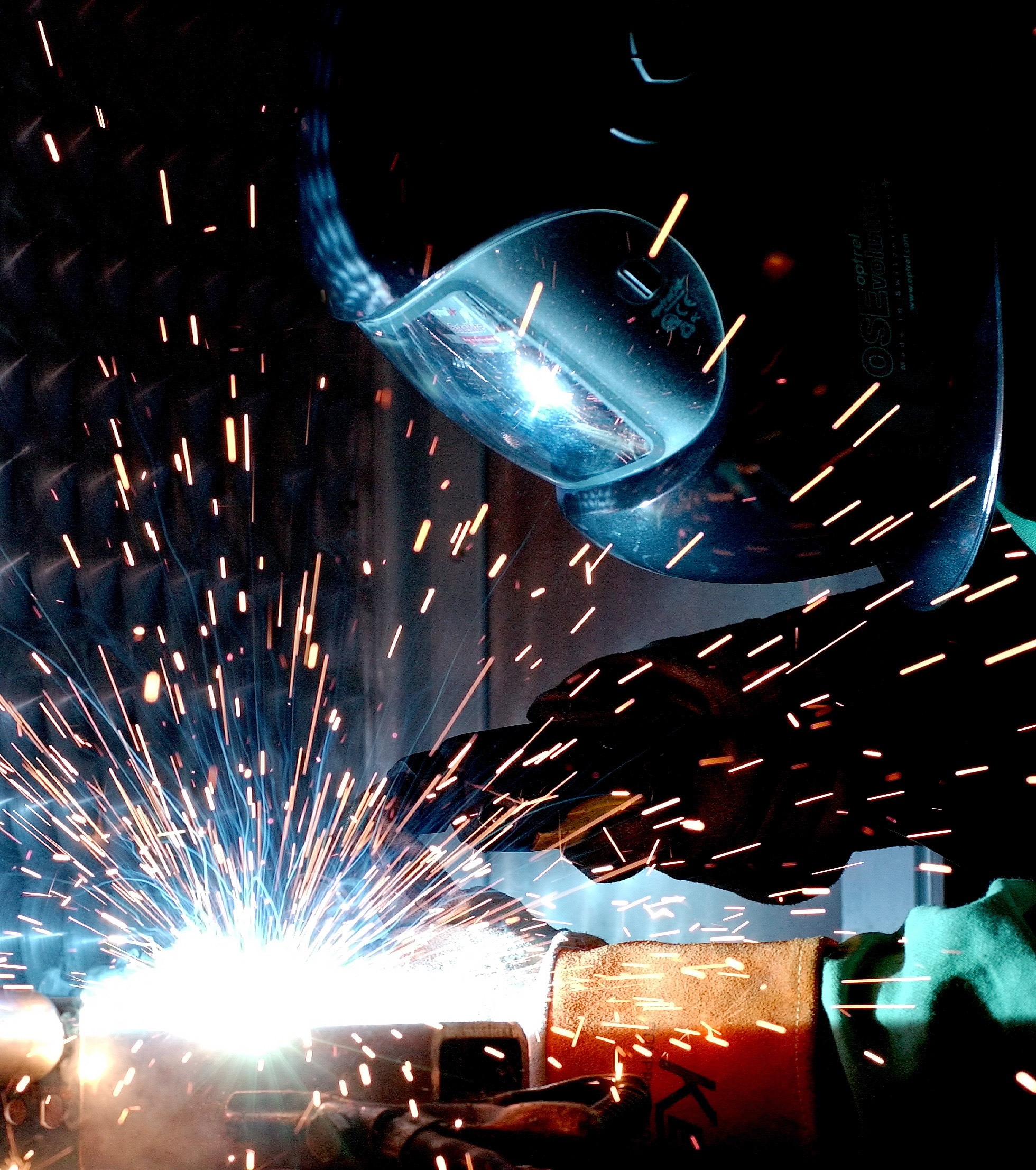 Welder-welding1.jpg